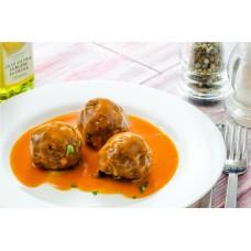 chiftelute de porc cu sos tomat