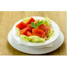 salata cu rosii, castraveti si ardei